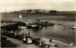 CPA Dinard- Embarcadere, au loin St Malo FRANCE (1022194)