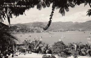 RP: Acapulco , Mexico , 1955 ; Panorama