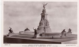 RP; Queen Victoria Memorial , LONDON , UK , 00-10s