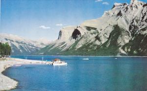 Lake Minnewanka, BANFF, Alberta, Canada, 40-60´