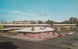 BILLINGS , Montana, 1969 ; Esquire Motel , Cafe & Lounge