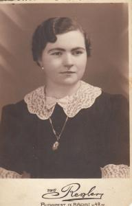 Vintage RPPC Foto Budapest Hungary woman portrait (lower corners torn)