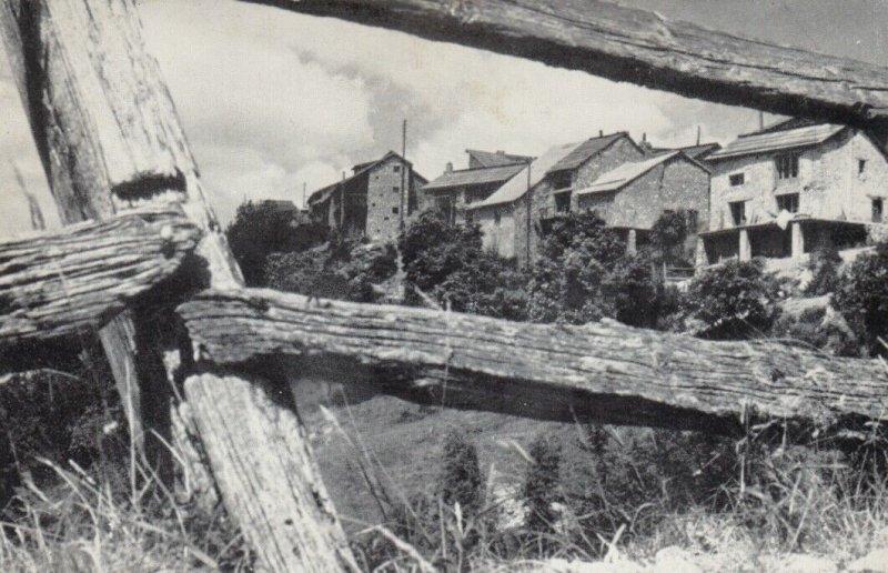 PEYRESQ, France , 1930-50s; Le village, vu du chemin de la haite
