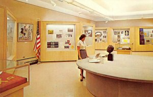 HARRY S. TRUMAN LIBRARY Independence, MO Museum c1960s Vintage Postcard