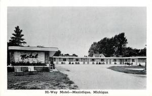 Manistique Michigan~Hi-Way Motel Court & Grounds 1940s B&W Ken & Sig Smith