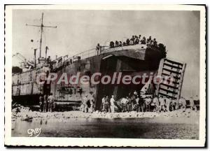 Modern Postcard Unloading in Normandy landing ALLIED Team opporte with it its...