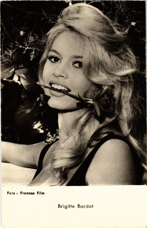 CPM AK FILM STAR Brigitte Bardot (88591)