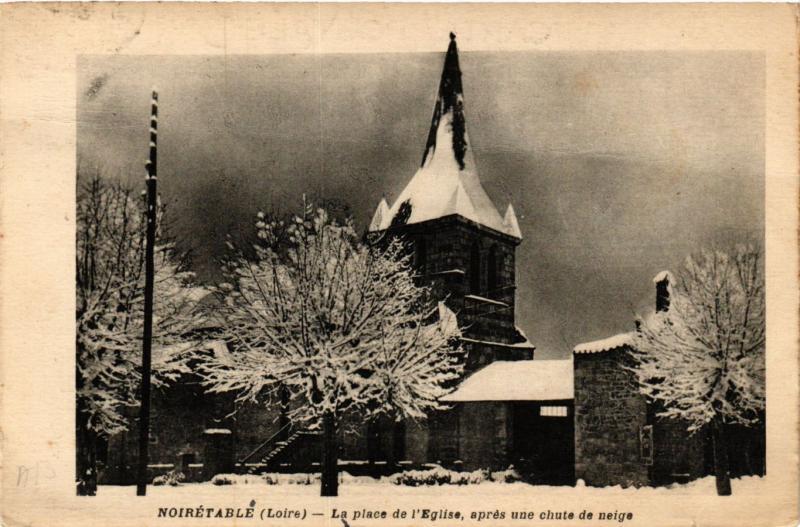 CPA Noiretable- La Place de l'Eglise (578522)