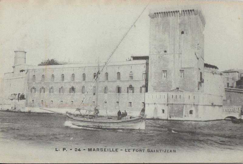 France Marseille - Le Fort Saint-Jean batteau boat real photo postcard