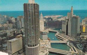 Illinois Chicago Here You See Overlooking The Chicago Canal