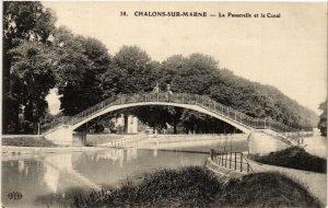 CPA CHALONS sur MARNE La Passerelle et le Canal (490983)
