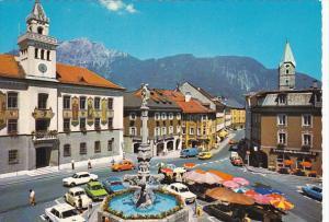 Germany Bad Reichenhall Rathausplatz und Poststrasse mit Hochstaufen