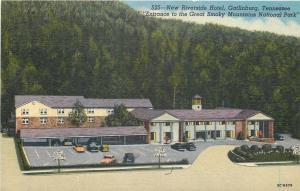 Gatlinburg Tennessee~New Riverside Hotel~Smoky Mountains Park~1940s Postcard