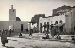 Tunisia Medenine Tunisie La Place et la Mosquée 03.09
