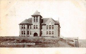 G18/ Edgemont South Dakota Postcard 1910 Public School Building
