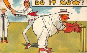 C79/ Sports Postcard Comic Cricket Game Wicket Players Bat Comic Fat Man 1909
