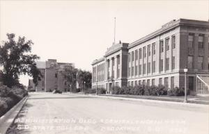 RP: Admin Bldg , S.D. State College , BROOKINGS , South Dakota , 30-40s