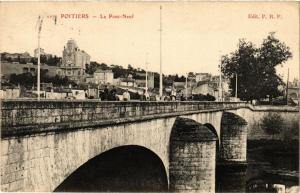 CPA POITIERS - Le PONT-Neuf (255722)