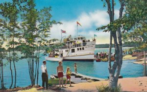 NORTH BAY , Ontario , 1950-60s ; Cruise Ship CHIEF COMMANDA