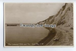 h1271 - Isle of Wight - The Coloured Cliffs & Pier at Alum Bay c1920s - Postcard