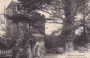 Chateau de Keriolet , France , 00-10s ; Le Beffroi et la Croix de pierre