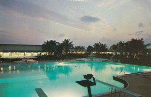 Grand Bahama Hotel , Grand Bahama Island , 1965 ; Swimming Pool