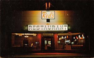 Ilwaco Washington birds eye view night scene Red's Restaurant vintage pc Z23189