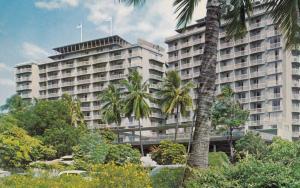Reef Towers, Waikiki, Hawaii, 50-60s