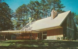 ATLANTA , Georgia , 1956 ; A Beautiful Home in Northwest Section of City