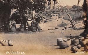Nigeria Oshogbo, Pot Making Pottery
