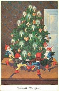 Merry Christmas Gnomes Christmas Tree Dancing 05.10