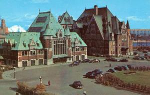 Canada - Quebec, Quebec City. Union Station and Post Office