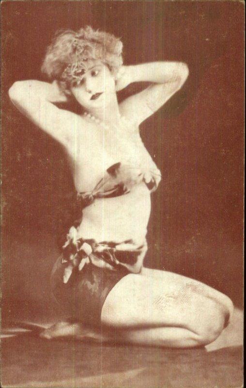 Sexy Woman Early Burlesque Pin-Up Girl Exhibit Card BIKINI TOP