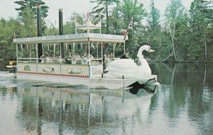 BRACEBRIDGE , Ontario , Canada , 1950-60s ; Kris Kringle Showboat
