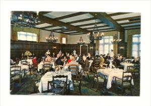 3046  MA Chestnut Hill   Christian Science Restaurant Interior