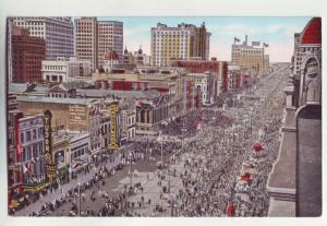 P1088 old card unused birds eye view madi gras crowds canal st new orleans la