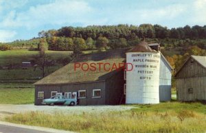 The Armstrong's POWNAL VIEW BARN in Pownal, VT. on U.S. Route 7