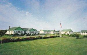 CAVENDISH BEACH , Prince Edward Island, Canada , 1950-60s : Lakeview Lodge