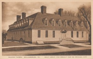 WILLIAMSBURG , Virginia , 1910-30s ; Raleigh Tavern