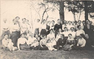 G33/ Swanton Iowa RPPC Postcard c1910 Family Reunion? Women Kids