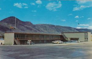KAMLOOPS, British Columbia, Canada, 1940-1960´s; Scott's Motel, Classic Cars