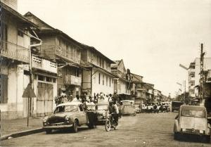 french guiana, Guyane, CAYENNE, Rue Lalouette, Passage de Chars, Carnaval (1967)