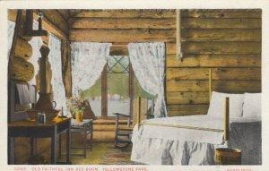 YELLOWSTONE PARK, Wyoming, 1900-10s ; Old Faithful Inn Bedroom