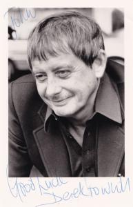 Derek Fowlds Heartbeat Yes Prime Minister Hand Signed Photo