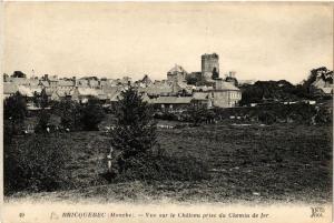 CPA  Bricquebec - Vue sur le Chateau prise du Chemin de Fer  (632620)