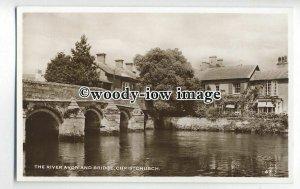 tq0087 - Hants - The Quiet River Avon and Bridge, at Christchurch - Postcard