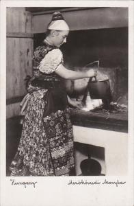 Hungary Bauern Kueche In Mezokovesd Girl In Typical Costume In Kitchen Real P...