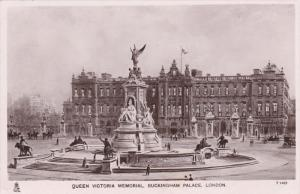 RP: TUCK, Queen Victoria memorial, Buckingham Palace, London, England, United...