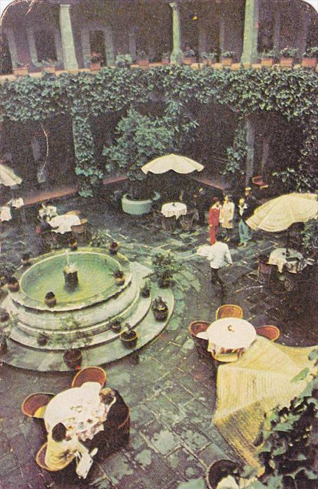Patio of the Cortes Hotel, Best Western, Mexico City, Mexico, 40-60´s
