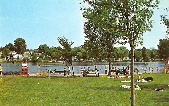Ontario CAMPBELLFORD Lions Club Community Park, Trent Canal